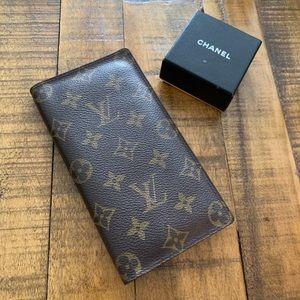 ✨ Louis Vuitton checkbook monogram wallet
